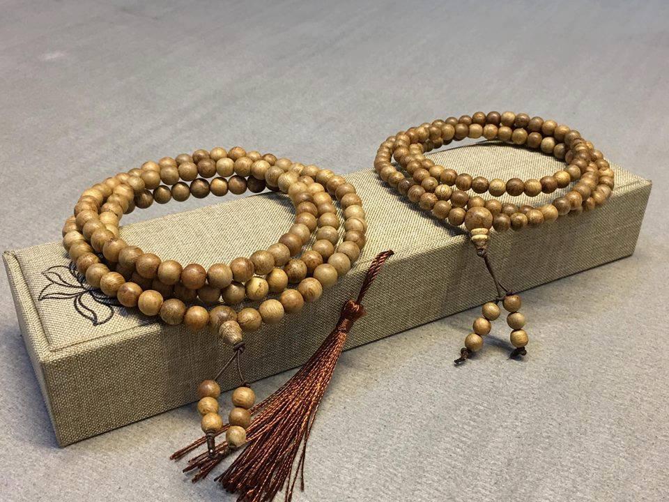 Ý nghĩa vòng tay Trầm Hương 108 hạt trong Phật Giáo
