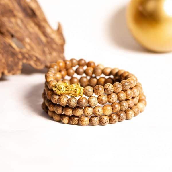 Vòng tay trầm hương 108 hạt Hồ ly vàng