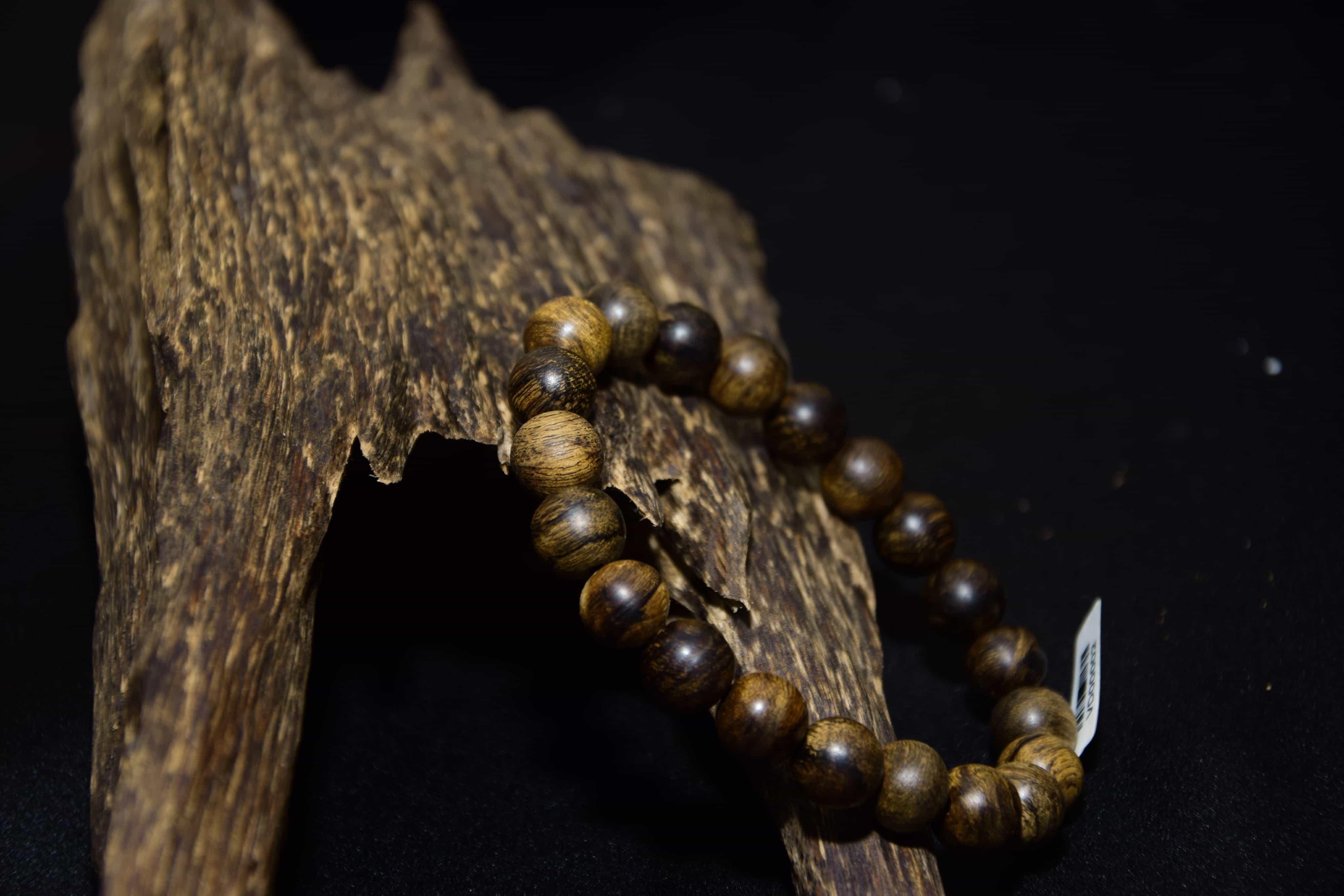 vòng từ gỗ Trầm Hương