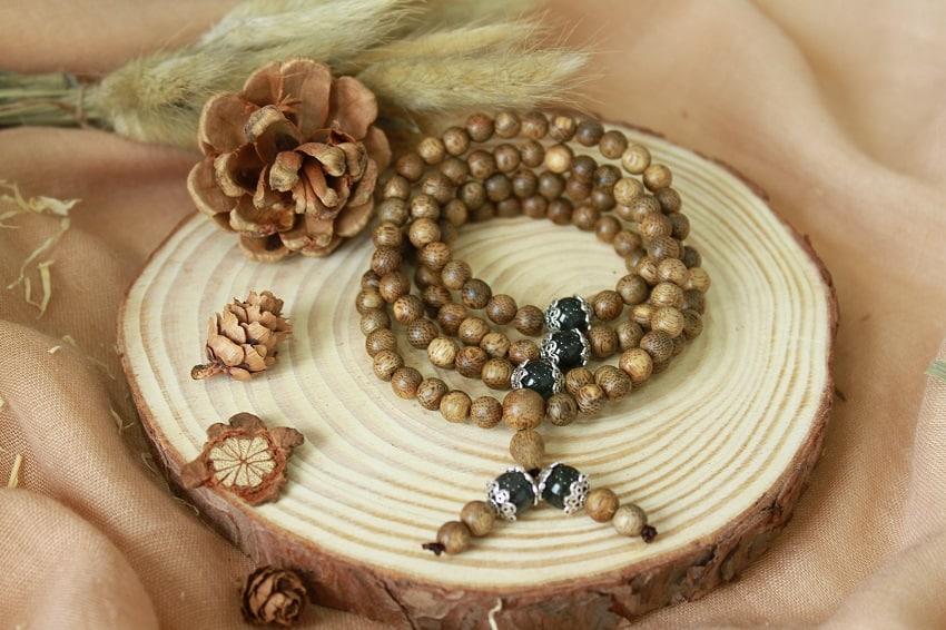 Trầm Hương 108 hạt ngọc bảo