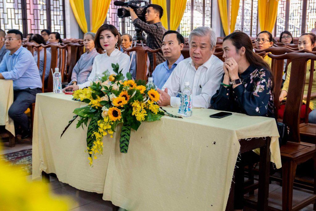 Khách mời MC Khả My, bà Nguyễn Lê Hà, ông Nguyễn Ngọc Phong