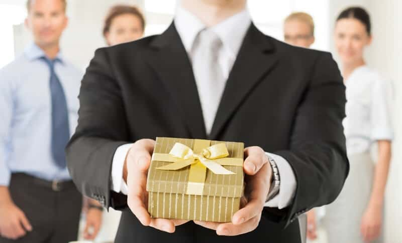 Quà tặng độc đáo cho sếp nên tặng thế nào