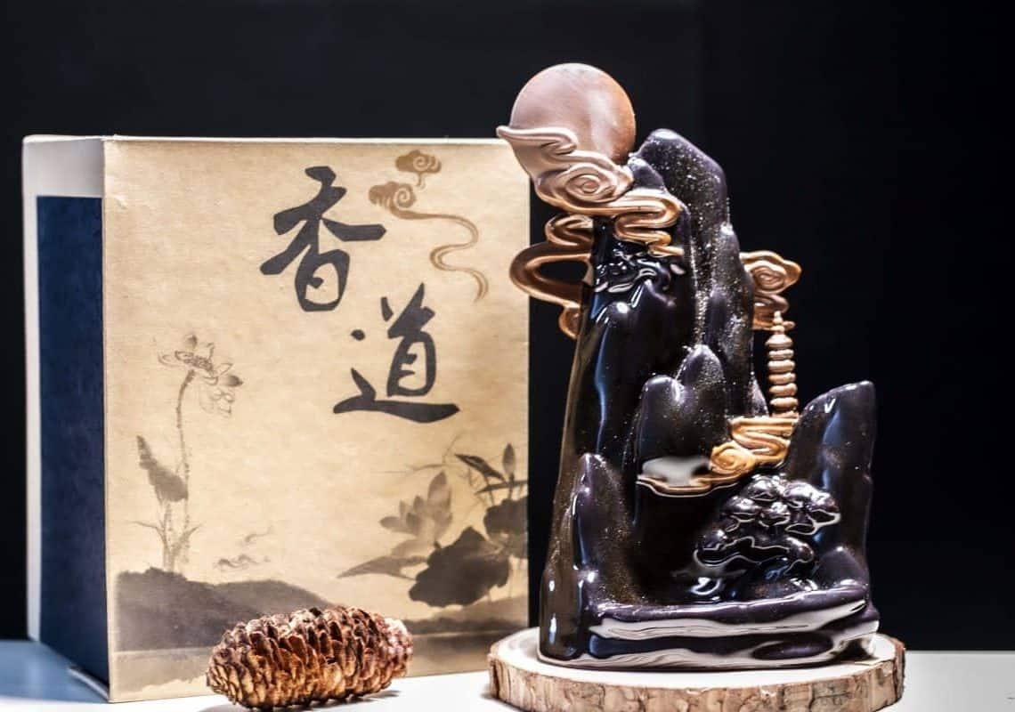 Bí quyết lựa chọn thác khói trầm hương làm quà tặng phù hợp