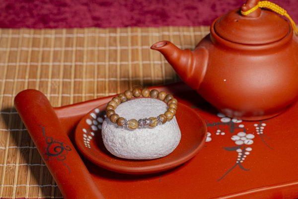 Vòng tay trầm hương Kim Thiềm Đài Các - Mệnh Kim