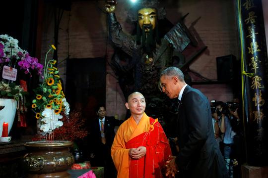 Tổng thống Obama từng ghé chùa Ngọc Hoàng
