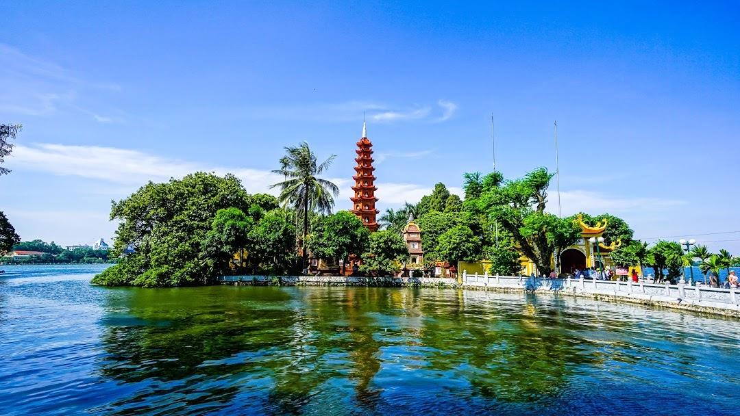 Tham quan chùa Trấn Quốc Hà Nội